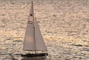 sailing-boat-3399014_1920